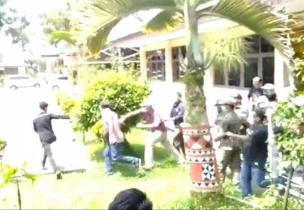 CuplikCom-AJI-Usut-Tuntas-Initimidasi-Terhadap-Jurnalis-Metro-TV-Lampung-Yehezkiel-05052021215321-IMG-20210505-WA0079.jpg