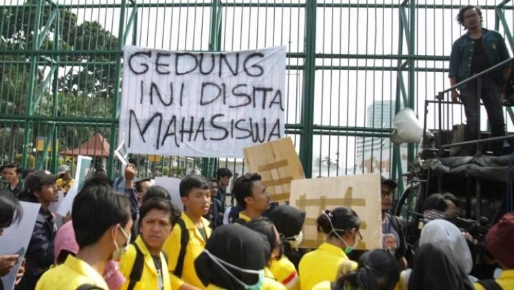 CuplikCom-BEM-UI-Bantah-Seruan-Demo-Besar-besaran-Mahasiswa-5-Juli-04072021085813-20210704_085312.jpg