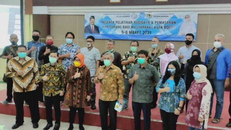 CuplikCom-Gali-Kreativitas-Masyarakat-Bogor,-KKP-Latih-Budidaya-Ikan-Cupang-Hias-07032021193836-20210307_193005.jpg