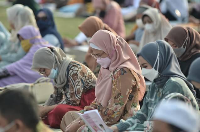CuplikCom-Momen-Idul-Fitri-Bupati-Indramayu-Berharap-Pandemi-Covid-19-Segera-Berakhir-13052021215958-IMG-20210513-WA0024.jpg