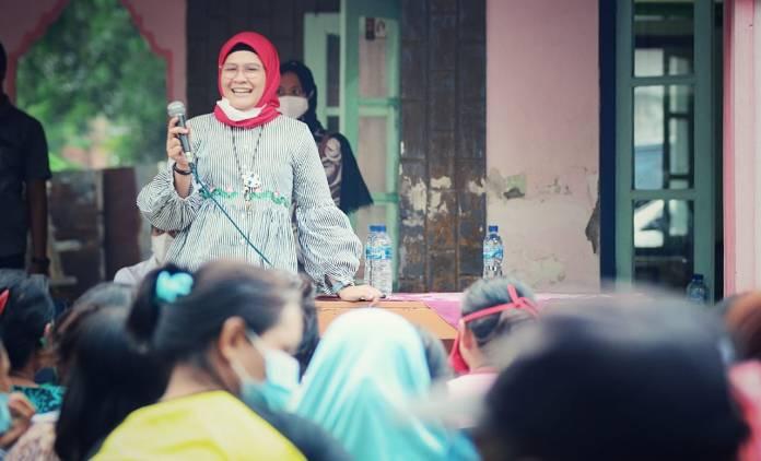 CuplikCom-Nina-Agustina-Ajak-Warga-Indramayu-Pilih-Pemimpin-Bukan-Karena-Uang-15102020205400-IMG-20201012-WA0061.jpg