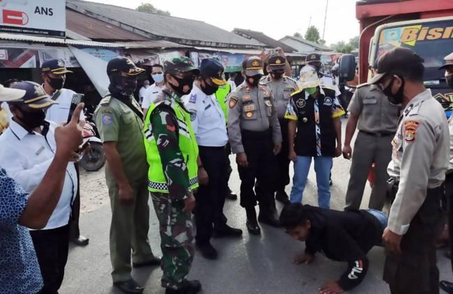 CuplikCom-Pemkab-Gelar-Operasi-Yustisi,-Puluhan-Warga-Lampung-Selatan-Tak-Pakai-Masker-Dapat-Sanksi-16092020191052-IMG-20200916-WA0054.jpg