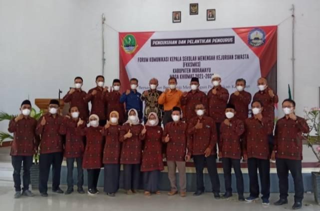CuplikCom-Pengurus-FKK-SMK-Swasta-Kabupaten-Indramayu-Resmi-Dilantik-06042021212428-IMG_20210406_211600.jpg
