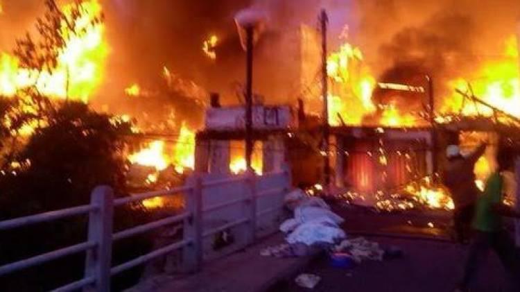 CuplikCom-Rumah-di-Tambora-Jakbar-Terbakar,-Kerugian-Capai-Rp100-juta-16042021061039-20210416_060325.jpg