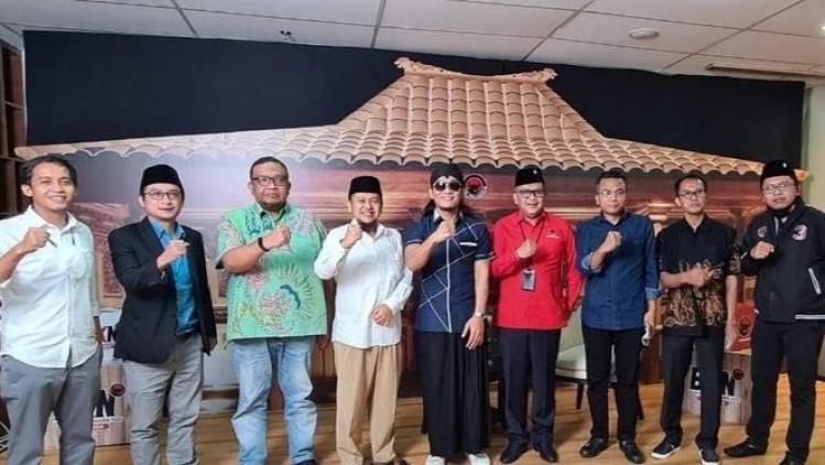 CuplikCom-Sekjen-Parpol-Pendukung-Jokowi-Amin-Kumpul-di-Kantor-PDIP-06052021195357-20210506_194638.jpg