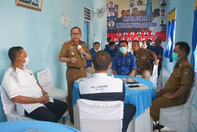 CuplikCom-Sulpakar-Bincang-Santai-Dengan-PWI-Lampung-Selatan-13102020193713-IMG-20201013-WA0079.jpg